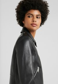 WEEKEND MaxMara - UNICUM - Leather jacket - schwarz - 3