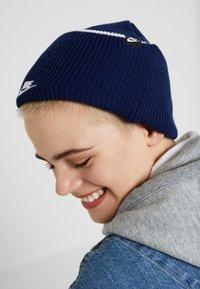 Nike Sportswear - CUFFED BEANIE - Muts - blue void - 4