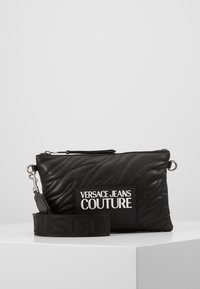 Versace Jeans Couture - QUILTED POUCH WITH STRAP - Pochette - nero - 0