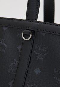MCM - DELMY VISETOS SHOPPER MEDIUM - Shoppingveske - black - 4