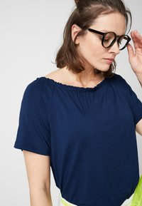 Triangle - Basic T-shirt - midnight blue - 3