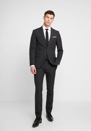 Suit - grey