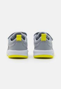 adidas Performance - TENSAUR UNISEX - Sportovní boty - halo silver/crew navy/acid yellow - 2
