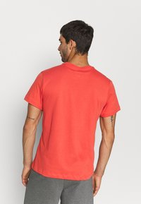 Nike Performance - TEE CREW SOLID - Basic T-shirt - lobster/black - 2