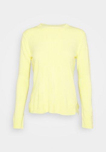 CREW - Stickad tröja - yellow