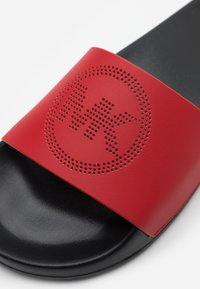 MICHAEL Michael Kors - GILMORE SLIDE - Mules - bright red - 4