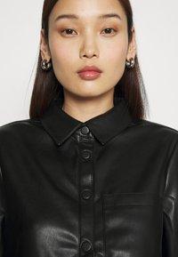 NA-KD - Button-down blouse - black - 4