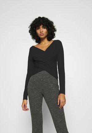 CRISS CROSS SHOULDER - Long sleeved top - black