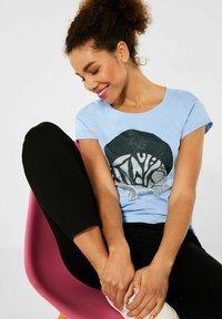 Street One - MIT PARTPRINT - Print T-shirt - blau - 1