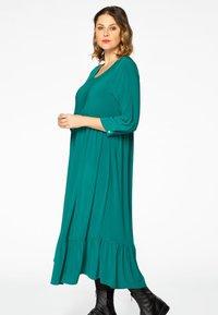 Yoek - Day dress - green - 0