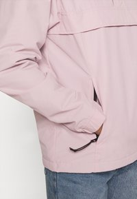 Carhartt WIP - NIMBUS - Windbreaker - frosted pink - 5