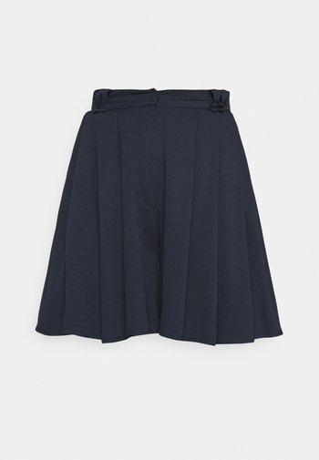 VISUVITA  - Shorts - navy blazer