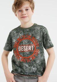 WE Fashion - T-shirts print - army green - 1
