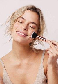 ZOË AYLA - 10 PIECE LUXURIOUS MAKE-UP BRUSH SET - Makeup brush - rose gold - 2