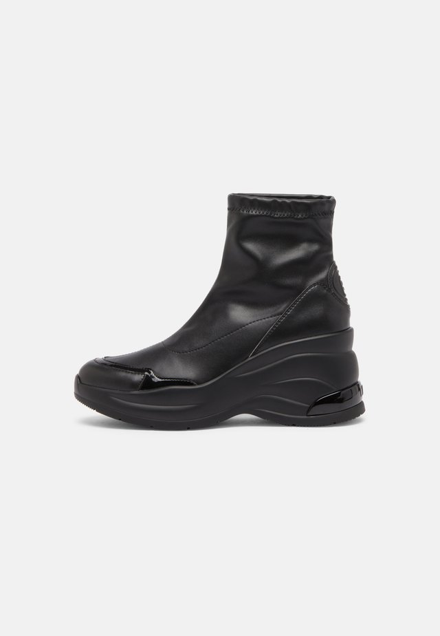 KARLIE REVOLUTION  - Wedge Ankle Boots - black