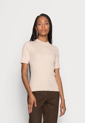 SLFQUEEN  O-NECK  - T-shirts - sandshell