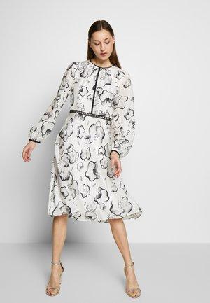 ORCHID DRESS - Denní šaty - black