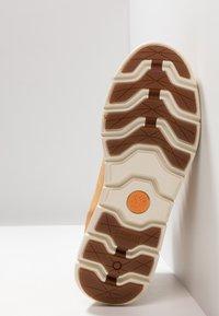 Timberland - KILLINGTON CHUKKA - Lace-up ankle boots - wheat - 5