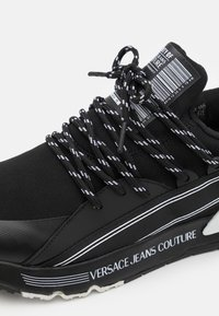 Versace Jeans Couture - DYNAMIC - Trainers - nero - 5