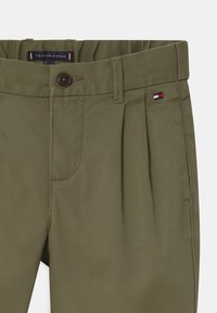 Tommy Hilfiger - AUTHENTIC FLEX  - Trousers - green - 3