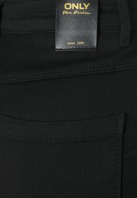 ONLY - ONLROYAL FLY GUA - Jeans Skinny Fit - black - 5