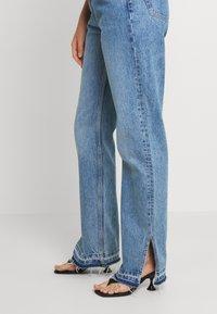 Weekday - ROWE SPLIT - Jeans straight leg - hanson blue - 3