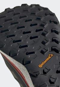 adidas Performance - TERREX AGRAVIC GORE-TEX BOOST TRAIL RUNNING - Løpesko for mark - black - 8