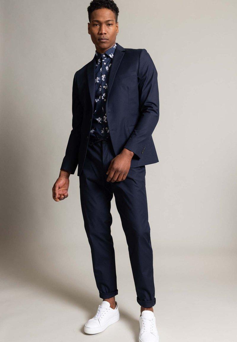 WORMLAND - Suit jacket - marine