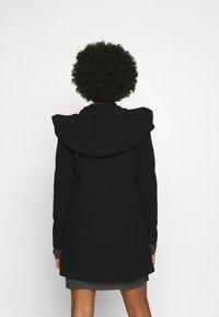 Vero Moda - VMDAFNEDORA - Zimní kabát - black - 2