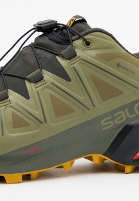 Salomon - SPEEDCROSS 5 GTX - Trail running shoes - martini olive/peat/arrowwood - 5
