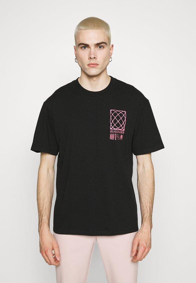 SHINJUKU SAVAGE UNISEX - Print T-shirt - black