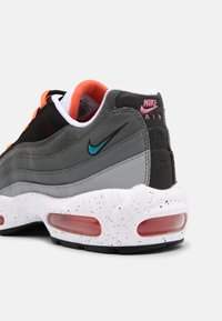 Nike Sportswear - AIR MAX 95 UNISEX - Sneakersy niskie - black/aquamarine/turf orange/white/anthracite/dark grey - 6