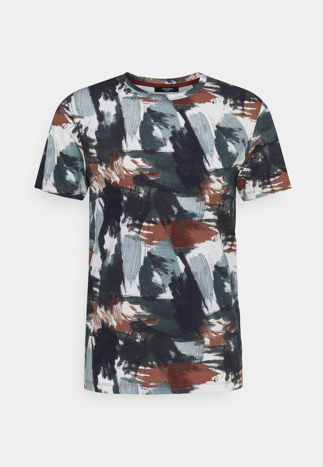 JPRBLASTOKE TEE CREW NECK - Print T-shirt - smoked