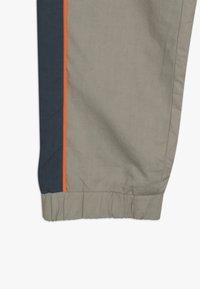 Unauthorized - FREDRICH PANTS - Trousers - orien blue - 2