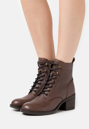 OODLE HEELED - Lace-up ankle boots - tan