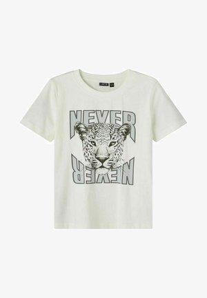 T-shirt print - white alyssum
