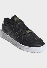 adidas Originals - RIVALRY LOW SHOES - Sneakers laag - black - 4