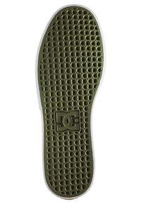 DC Shoes - KALIS VULC UNISEX - Trainers - tan - 2