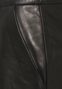 Iro - KLEIST  - Shorts - black - 7