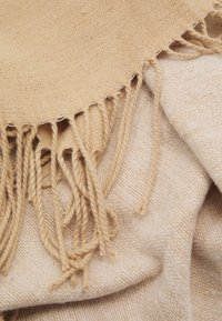 Topshop - SUPERSOFT SCARF - Scarf - camel/cream - 3