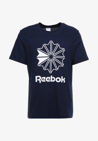 Reebok Classic - BIG LOGO TEE - T-shirt imprimé - conavy - 3
