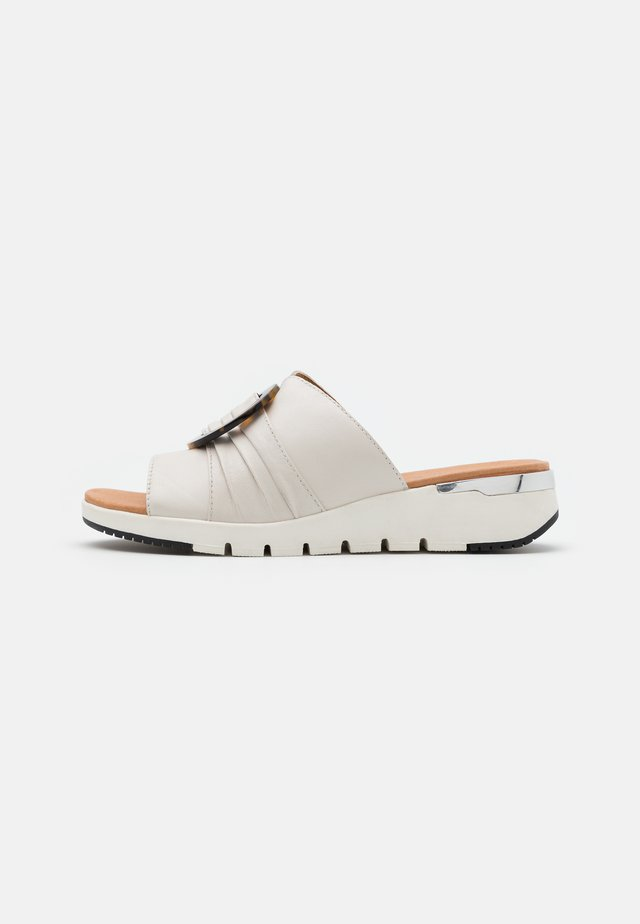 SLIDES - Mules - offwhite