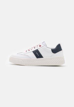 LICENA  - Sneakersy niskie - white/navy