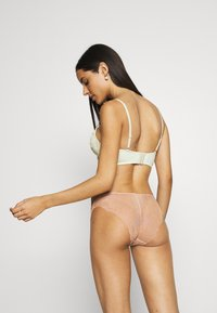 Nly by Nelly - PLAYFUL - Underwired bra - creme - 2