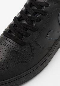 Veja - Trainers - black - 3