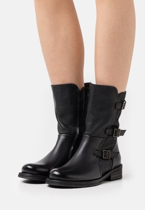 COOPER - Cowboy/biker ankle boot - targoff/python black