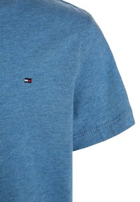 Tommy Hilfiger - BOYS BASIC  - T-Shirt basic - dark allure heather
