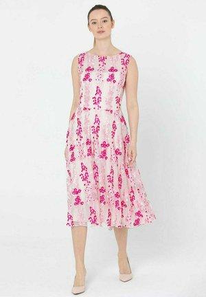 Sukienka letnia - różowy
