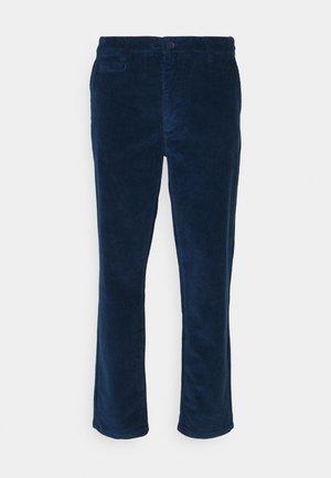 CHUCK REGULAR STRETCHED PANT - Trousers - dark denim