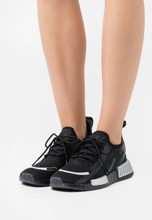 NMD_R1 SPECTOO - Sneakers laag - core black